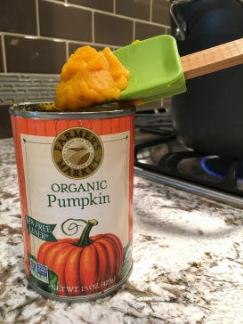 Can of pumpkin puree
