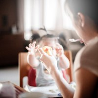 Feeding Baby Chapter 1: when & how to introduce solid foods